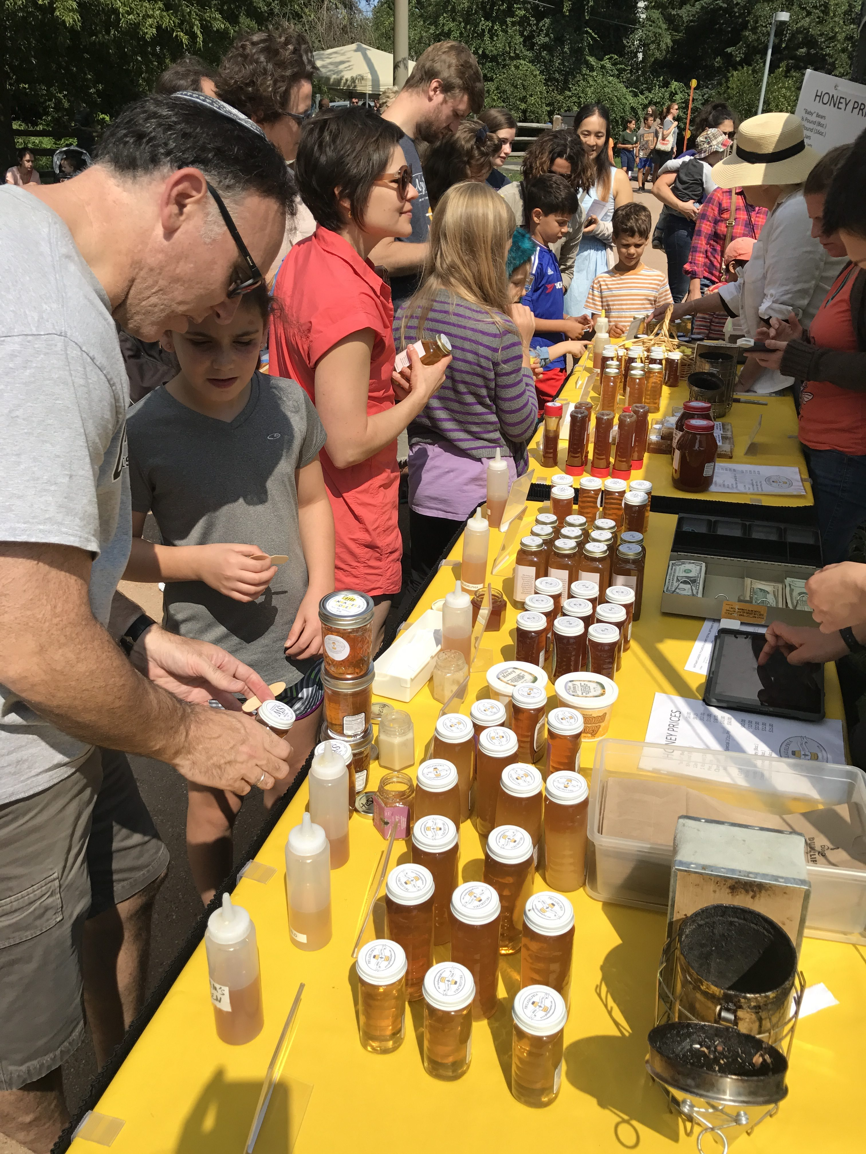 Guild Members Invited to Consign Honey at the 2019 Honey